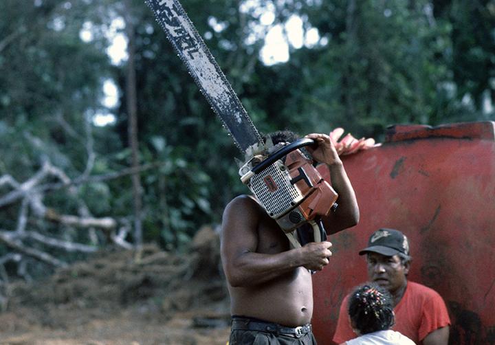 *19 Nicaragua Chainsaw