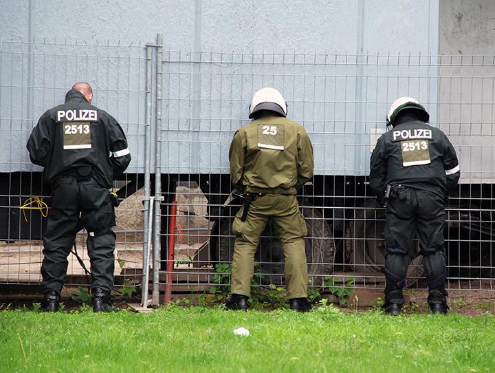*9 * G8 * Police urinating